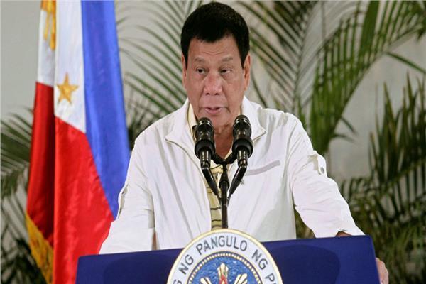 رئيس الفلبين: المرأة لا تصلح للرئاسة