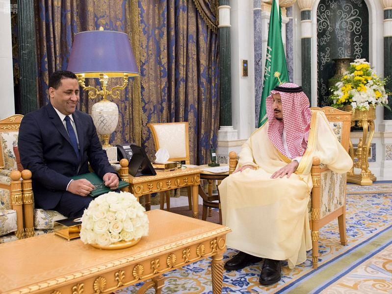 خادم الحرمين يتسلم رسالة من رئيس الجمهورية الإسلامية الموريتانية