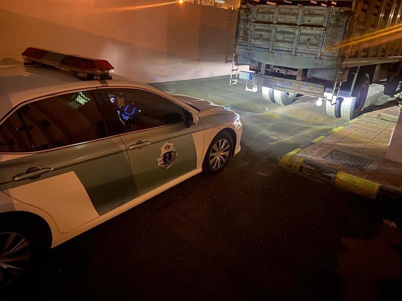 المرور يلقي القبض على سائق مركبة عرّض حياة الآخرين للخطر