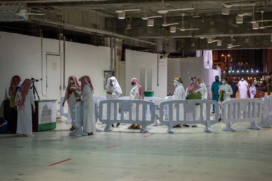توافد المُصلين إلى المسجد الحرام