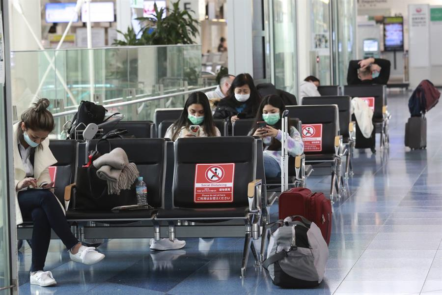 اليابان تكتشف سلالة جديدة من فيروس كورونا عند أشخاص وصلوا من البرازيل