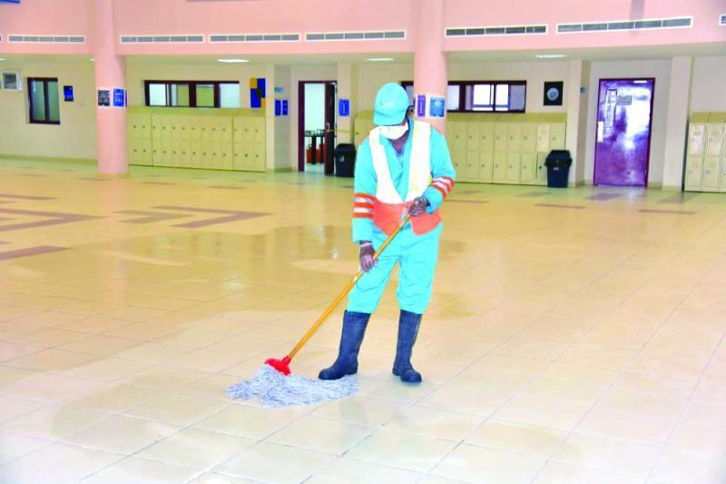 تسليم 17 مدرسة لإدارة تعليم الشرقية بعد إخلائها من العمالة وتعقيمها هذا الأسبوع