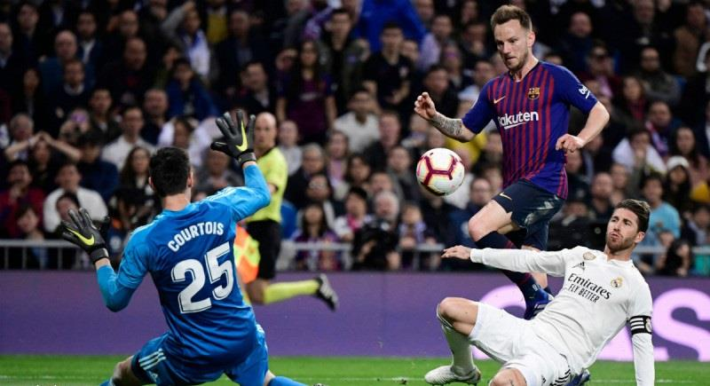 تأجيل مباراة برشلونة وريال مدريد بسبب الأزمة في كتالونيا