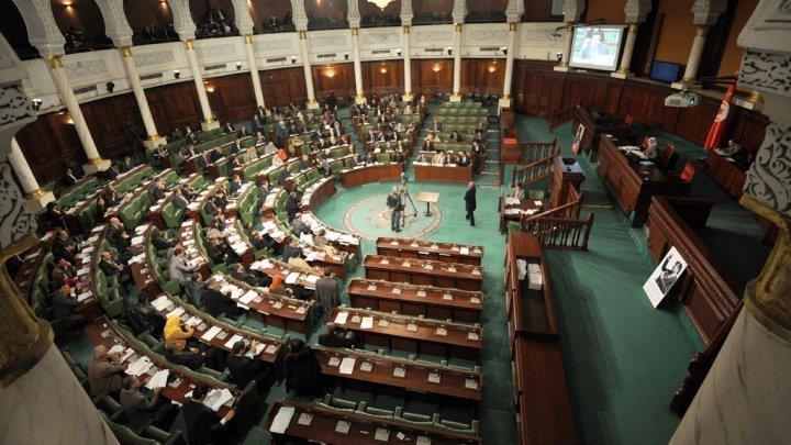"""""""حركة النهضة"""" تصبح الكتلة الأكبر في البرلمان إثر انشقاق كتلة """"نداء تونس"""""""