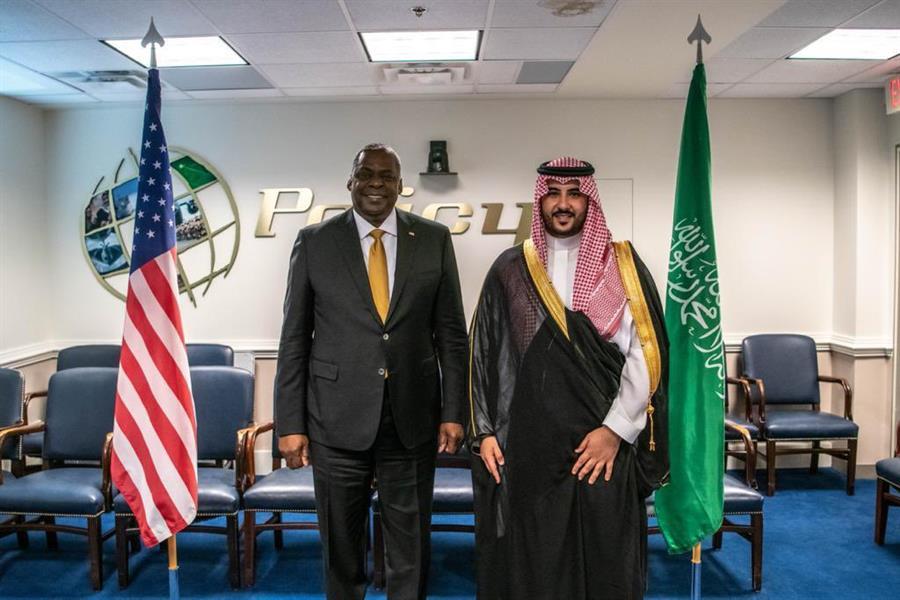 لقاء خالد بن سلمان بوزير الدفاع الأمريكي