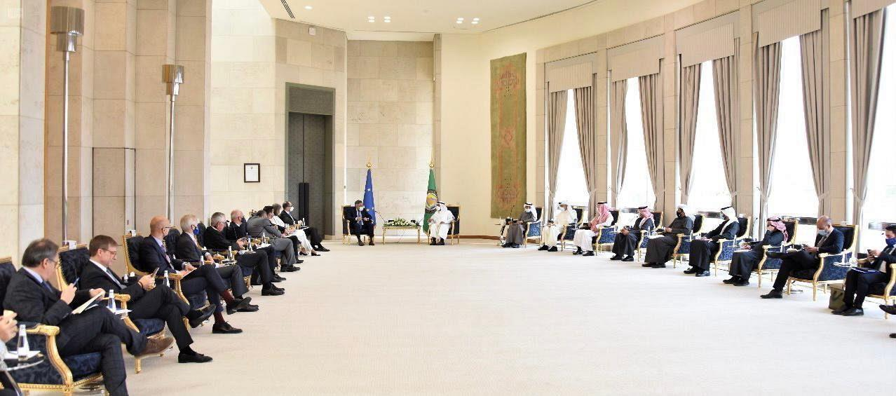 """الحجرف يؤكد ضرورة مشاركة """"مجلس التعاون"""" في أية مفاوضات تتعلق بأمن واستقرار المنطقة"""