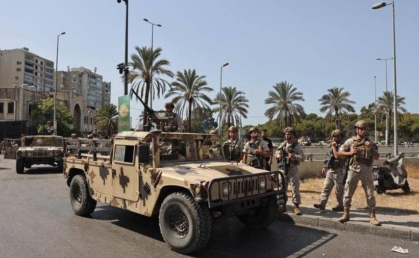 عناصر من الجيش اللبناني ينتشرون في بيروت