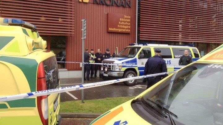 السويد: قتيل على الأقل في هجوم بالسيف نفذه رجل ملثم في مدرسة