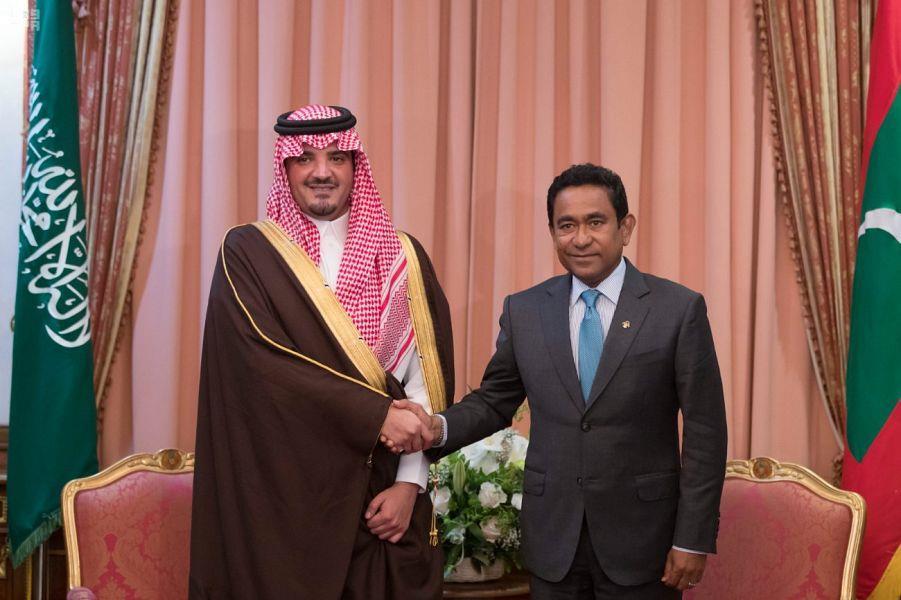 رئيس جمهورية المالديف يستقبل سمو وزير الداخلية.