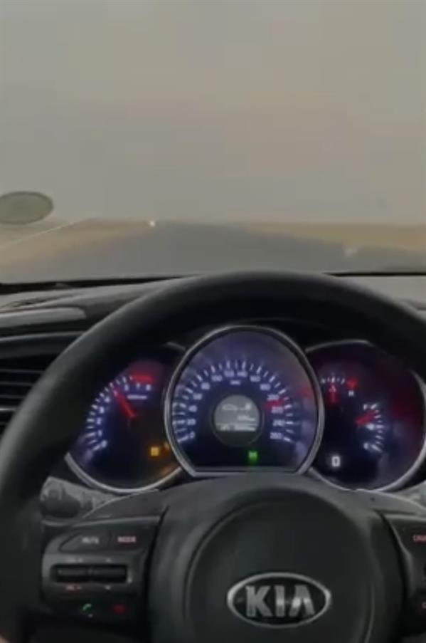"""""""المرور"""" يضبط 3 أشخاص قادوا مركباتهم بسرعات عالية ونشروا مخالفاتهم على مواقع التواصل الاجتماعي"""