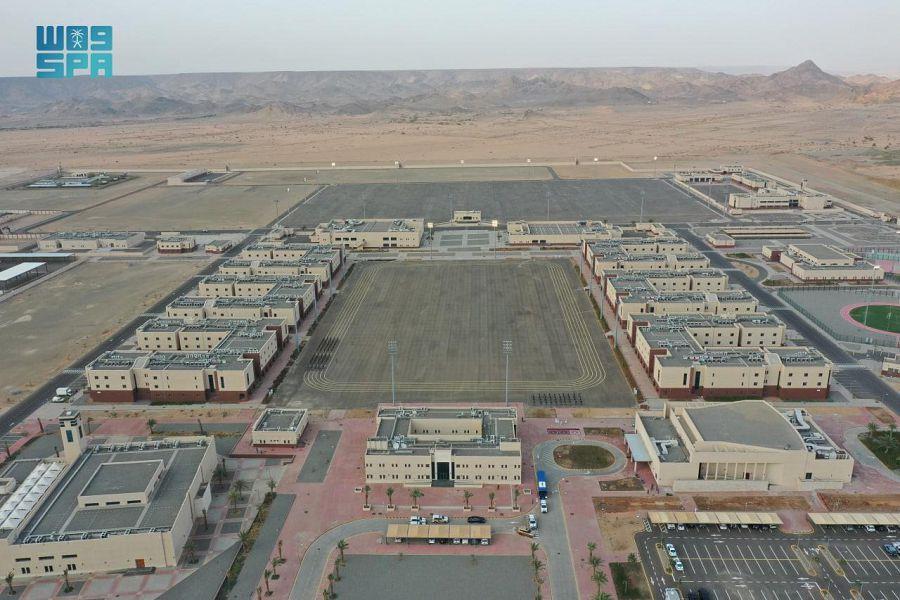 وزير الداخلية يدشن المدينة الأمنية للقوات الخاصة لأمن الحج والعمرة في الجموم
