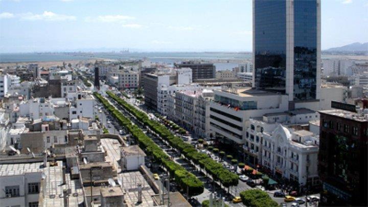 تونس: اتفاق يقضي برفع أجور العمال في القطاع الخاص بـ6 بالمئة
