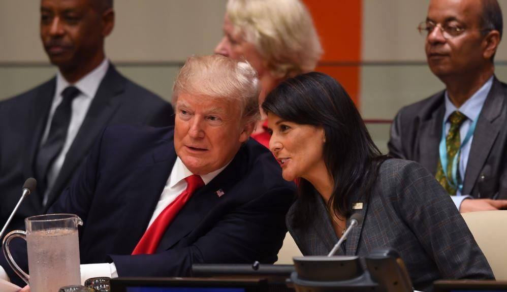 """""""صعدت معه على الطائرة مرة واحدة"""".. نيكي هيلي ترد على شائعات علاقتها الغرامية مع """"ترامب"""""""
