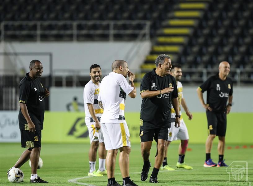 الاتحاد يواصل التحضيرات لمواجهة الرياض بإشرف هامبرج