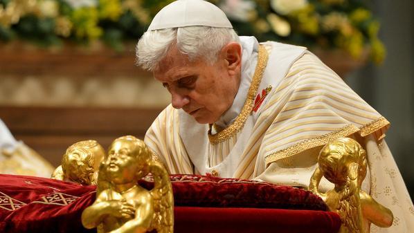 البابا بنديكت خلال قداس الميلاد