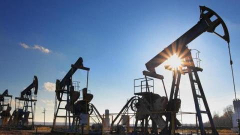 أسعار النفط ترتفع مع تنامي الطلب