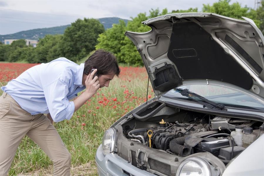 """تعرّف على أسباب صوت """"طقطقة """" المحرك بسيارتك"""