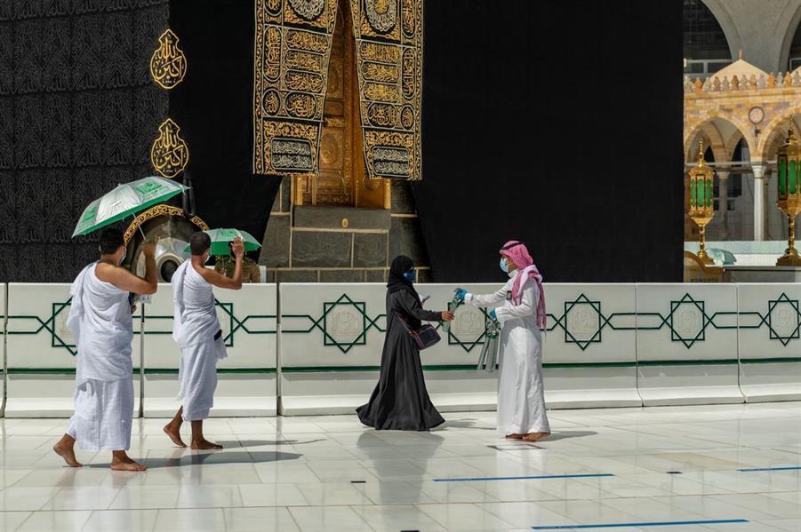 تفويج مليون امرأة لأداء العمرة والصلاة بالمسجد الحرام