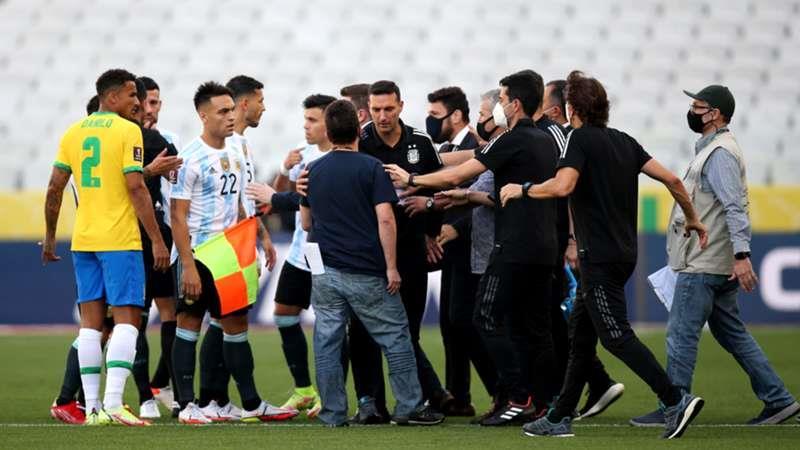 إيقاف مباراة الأرجنتين والبرازيل