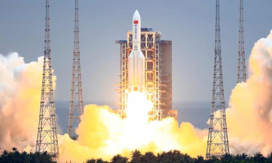 فقدان السيطرة على صاروخ فضاء صيني وتوقعات بسقوطه على الأرض خلال أيام