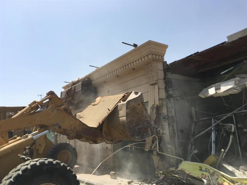 """""""أمانة جدة"""" تبدأ إزالة مبانٍ مهددة بالانهيار في حي السلامة"""