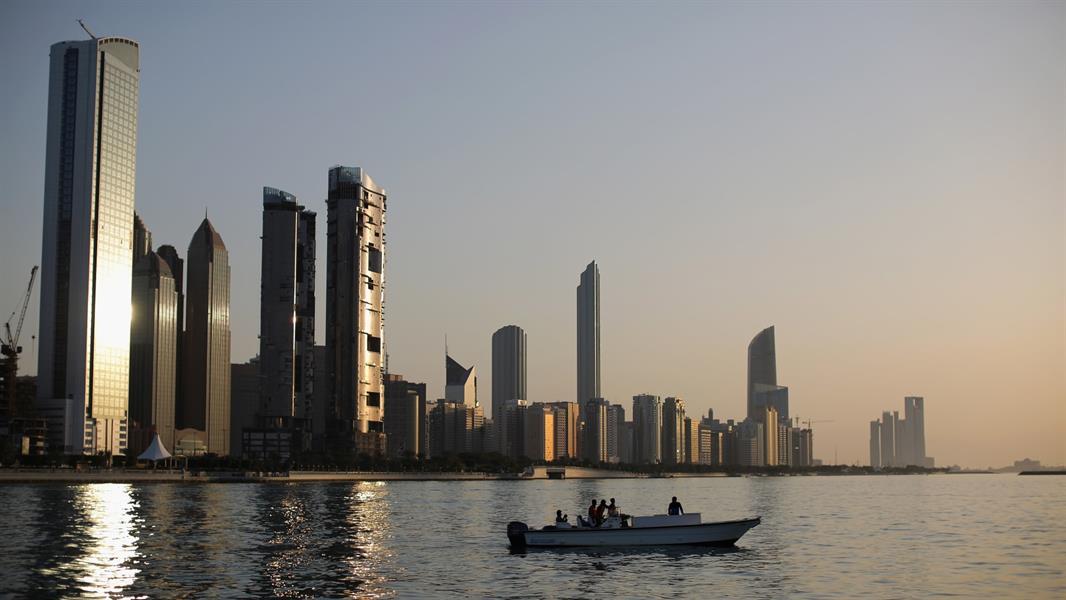 """تضمنت 9 دول عربية.. أبوظبي تحدث """"القائمة الخضراء"""" لدول المسافرين القادمين إليها"""