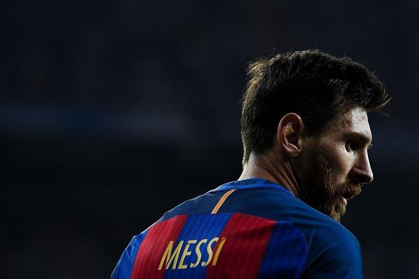 10 تحديات تواجه ميسي بعد التجديد مع برشلونة