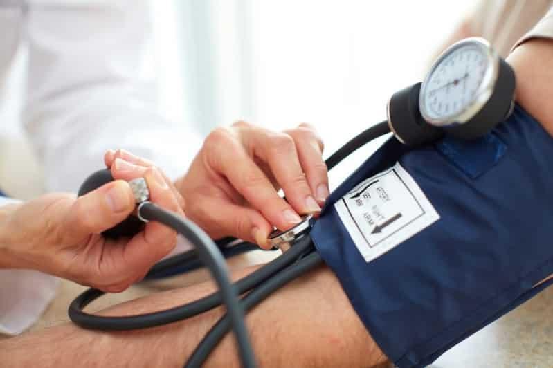 6 أشياء ينصح بها للتحكم بضغط الـدم المرتفع دون أدوية