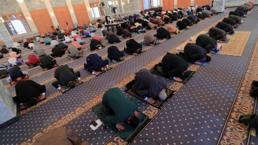 8 دول عربية تسمح بإقامة صلاة التراويح في شهر رمضان