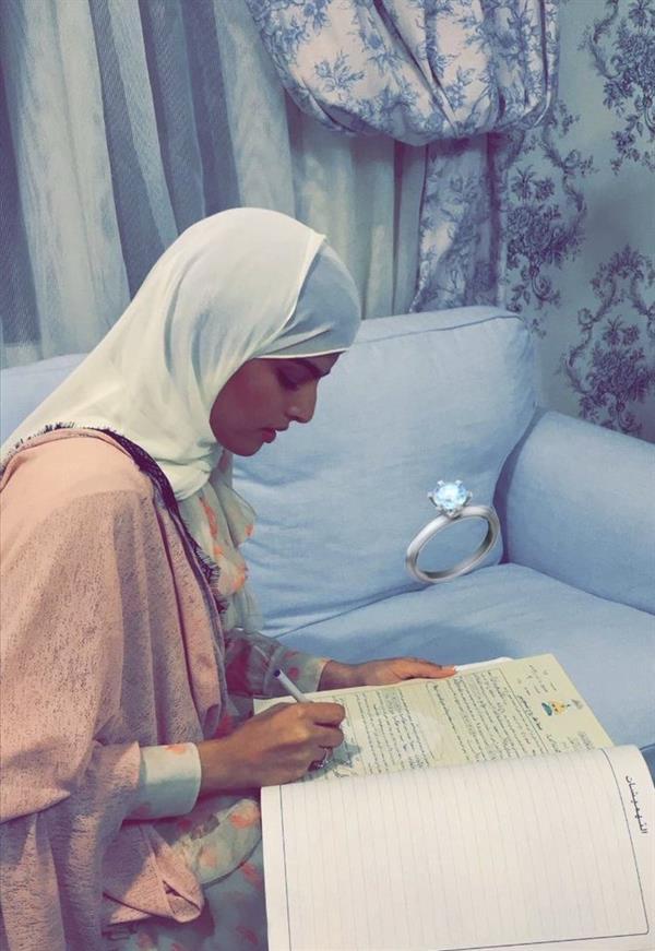بالفيديو والصور.. سارة الودعاني تعلن عقد قرانها