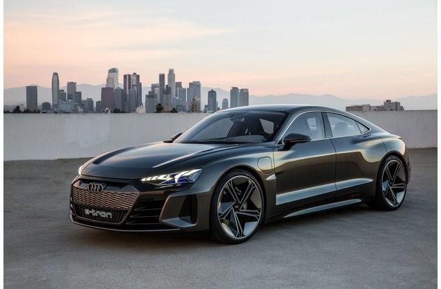 """1- أودي إي ترون جي تي """"Audi e-tron GT"""""""