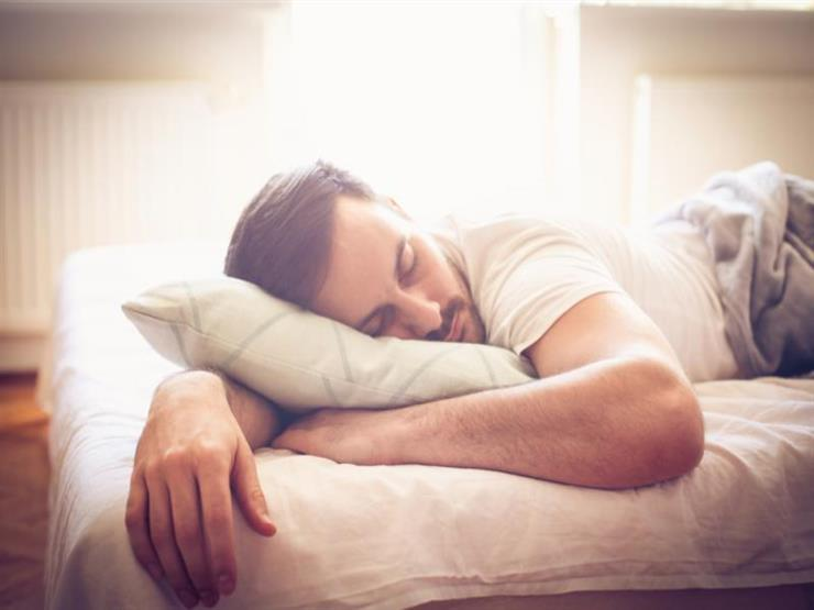حيلة بسيطة يمكن أن تساعدك على تهدئة عقلك قبل النوم