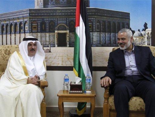 السفير محمد العمادي و اسماعيل هنية