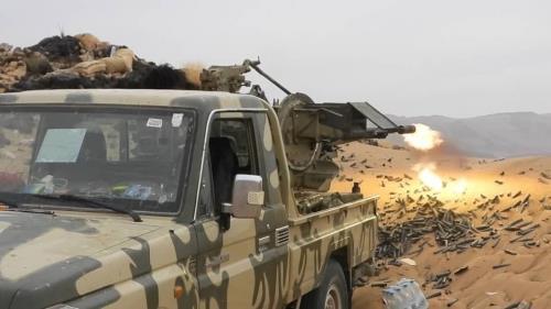 الحكومة اليمنية تتهم المجتمع الدولي بالرضا عن المتمردين الحوثيين وتحذر من مخاطر إضفاء الشرعية على الميليشيات.