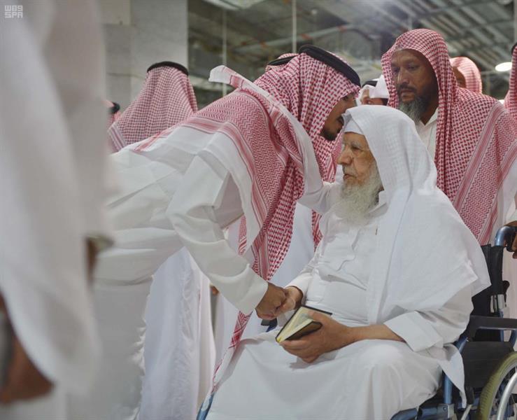 أداء الصلاة على الأميرة مضاوي بنت عبدالعزيز في الحرم المكي بحضور عدد من الأمراء