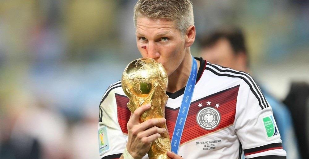 شفاينشتايجر يعتزل كرة القدم رسميا