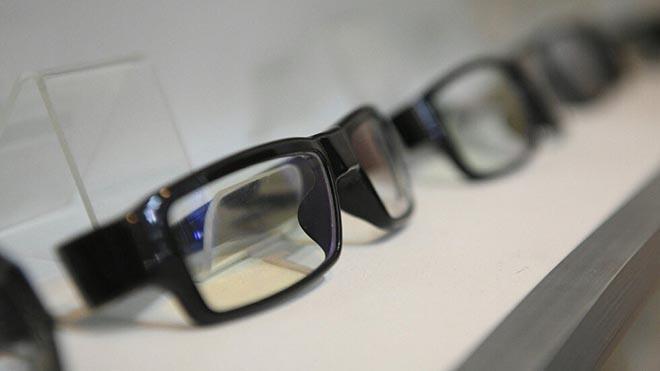 استشاري عيون: التعرض للشمس بدون نظارة أفضل من ارتداء واحدة مقلدة