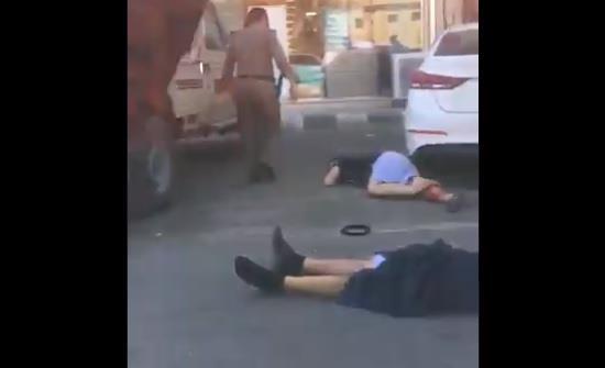 القبض على مواطنَين أطلقا النار من سـلاح رشاش في مشاجرة وتسببا في إصابة رجلين بحائل
