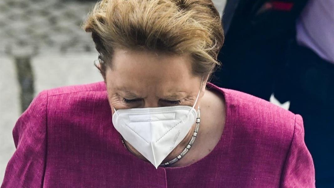"""ميركل تأخذ لقاح AstraZeneca ... """"التطعيم هو مفتاح التغلب على الوباء."""""""