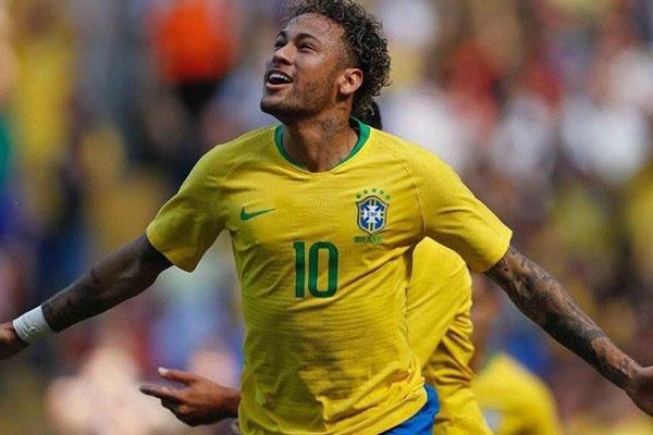 """نيمار: الفوز أفضل وسيلة لتخلص البرازيل من """"كابوس المونديال"""""""