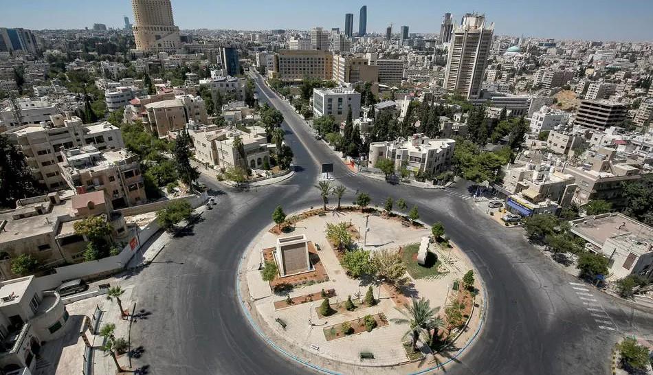السلطات الأردنية تعيد فتح معبرها الحدودي مع المملكة 