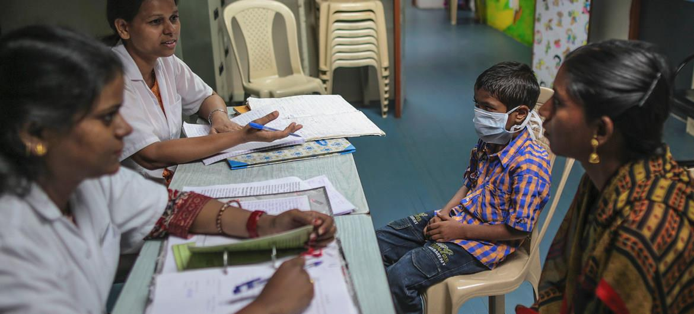 البرنامج الأممي لمكافحة الإيدز يحذر من ارتفاع حصيلة المصابين بفيروس نقص المناعة في العالم بسبب كورونا