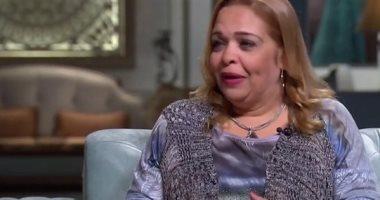 """وفاة الفنانة المصرية سحر كامل التي كتبت الجملة الشهيرة """"أنا مالي يا سراجي""""."""