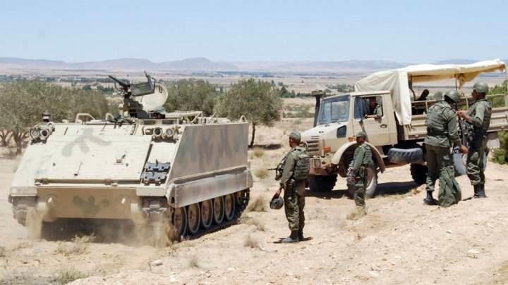 تونس تغلق حدودها البرية مع ليبيا لمدة 15 يوما إثر تفجير حافلة الأمن الرئاسي
