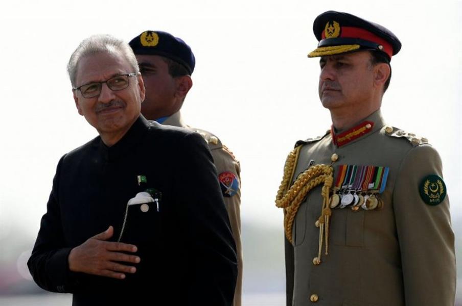 أصيب الرئيس الباكستاني ووزير الدفاع بفيروس كورونا