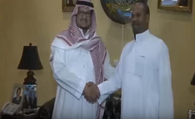 بالفيديو.. مشجع مصري يزور النصر ويلتقي الرئيس واللاعبين