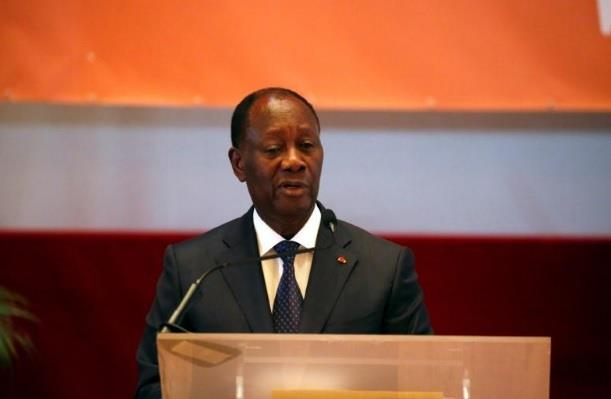 رئيس ساحل العاج يقيل الحكومة بعد خلاف داخل الائتلاف الحاكم