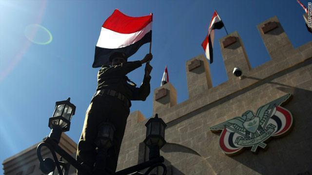 وزير النقل اليمني: تهريب السلاح للانقلابيين يهدد أمن وسلامة الملاحة الدولية