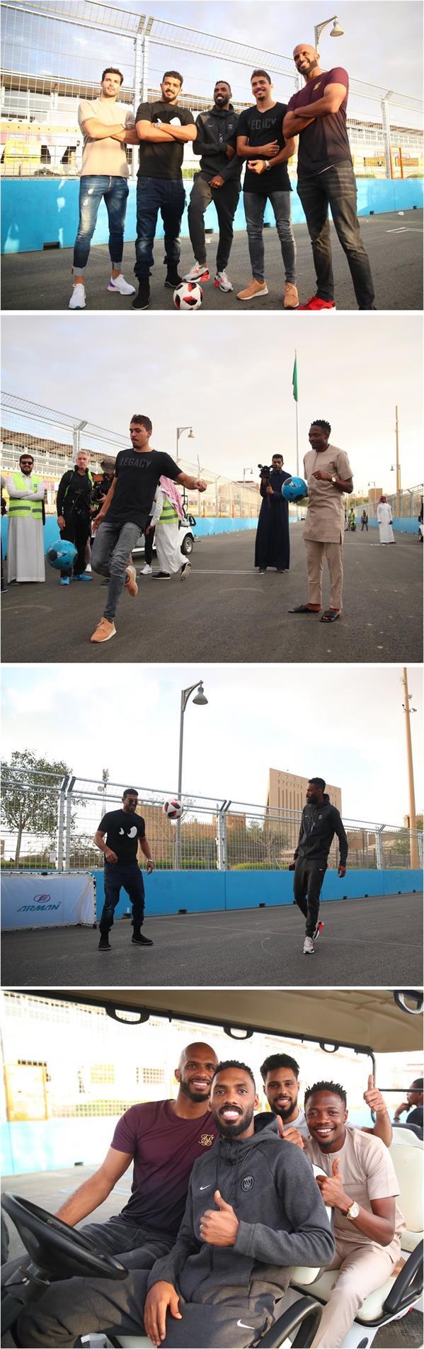 لاعبو ناديي الهلال والنصر خلال زيارتهم لمقر إقامة مهرجان فورمولا إي الدرعية