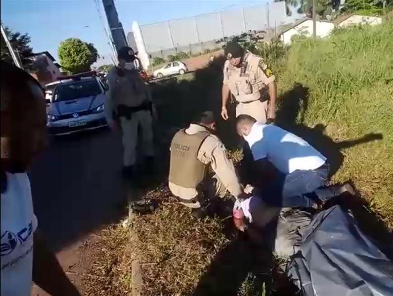 صحفي برازيلي ينقذ حياة شخص بعد إعلان وفاته في حادث دراجة نارية (فيديو)